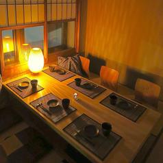 広めの席配置となっておりますので、エスコトートもしやすい空間です。お喋りしながら仲間内で盛り上がれます。美味しい料理と美味しいお酒を楽しみながら素敵な時間をお過ごしいただけます。