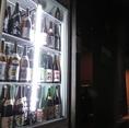 《豊富な日本酒が魅力》静岡の地酒・全国の銘酒を取り揃えております。「磯自慢」「日本刀」「臥龍梅」など揃ったショーケースは圧巻。9/12/16種の日本酒利き酒セットもご用意しております。落ち着いた雰囲気の和空間と全席完全個室の当店で各種宴会・接待などにご利用下さい。