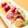 料理メニュー写真帆立のトマトカルパッチョ