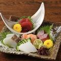 料理メニュー写真鮮魚五種盛り合わせ