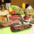 居酒屋 博多道場の2時間飲み放題付宴会コースは、どのコースも名物の九州料理を多数揃えております。ドリンクメニューも九州産の焼酎・日本酒をはじめ、ビールやハイボール、ソフトドリンクなど豊富にございます。渋谷で宴会なら、是非当店の九州料理の宴会コースをご利用ください♪