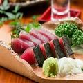 料理メニュー写真【きらく名物】カツオ塩タタキ