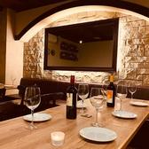店内奥になる隠れ個室。ワインを樽で熟成させる地下のワイナリーのようなお部屋になっています。最大で25名まで貸切OK!