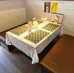 4名様用テーブル席もございます!少人数のご利用に◎デート、学生飲み会、女子会など様々なシーンでご利用いただけます。