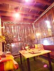開放的でお洒落なテラス席!外の風を感じながら楽しむお料理とお酒もまた格別です☆