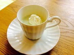 料理メニュー写真塩麹プリン 緑茶風味