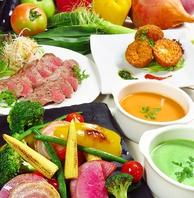 旬の地元野菜を盛り込んだお得なコースは【4000円~】