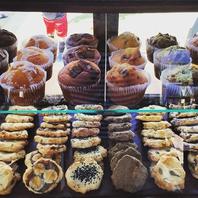 移動販売車で提供のマフィンとクッキーは毎回完売の人気