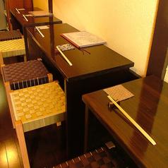 1階カウンタータイプのお席は少人数でのご利用にピッタリ