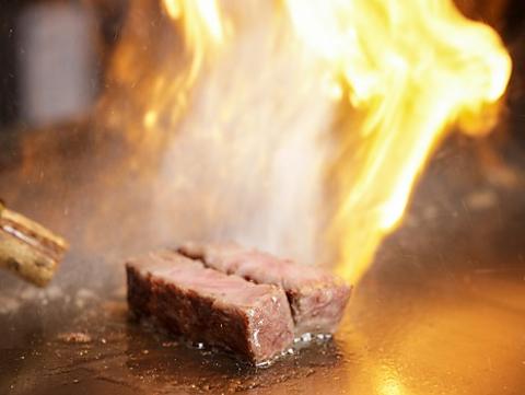 接待や特別な記念日、デートに最適な「知る人ぞ知る」町田の本格鉄板焼!