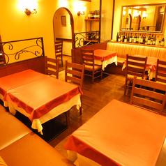 活気良くイタリア語が飛び交う店内は賑やかな雰囲気♪京王プラザホテルより徒歩30秒・ホテルヒルトンより徒歩3分・都庁前駅より1分です。大江戸線・JRには地下連絡通路にて雨の日でも安心です。新宿でイタリアン料理とワインを楽しむなら是非当店をご利用下さい!ビステッカなどのお肉料理、ビーフステーキは絶品です♪