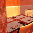 【備え付けの簾でプライベート空間を】お子様連れでのお食事や、ゆっくりおしゃべりしたい時に…お席に設置している簾を下ろせば程よいプライベート空間をお作りできます。