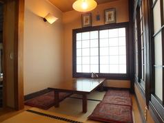 落ち着ける個室になっております。接待にもご利用可能です。