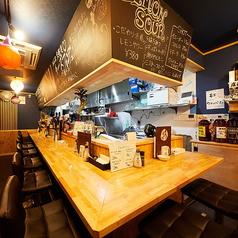 ステーキ&チーズ酒場 レッドコングの雰囲気1