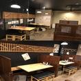 【ハシゴのコロナウィルス感染症の取組その3】個室以外の席に関しては、テーブル毎にビニールもしくは木製のパーテーションを設置し他のグループのお客様との距離を保ちます。
