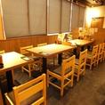 【高田馬場戸山口店】簡単に席替えできるテーブル席