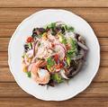 料理メニュー写真海老と春雨のスパイシーサラダ