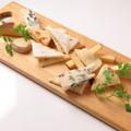 料理メニュー写真特選チーズ盛り合わせ
