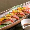 料理メニュー写真長崎和牛出島と雲丹の炙り寿司(4貫)
