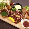 料理メニュー写真3種のMIXステーキ ~鶏・豚・牛~