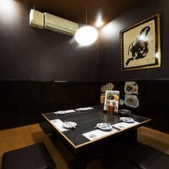 プチ宴会にピッタリの個室空間も完備。(8名様までOK)
