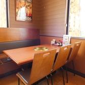 6名様テーブルのお席です。ゆっくりとおくつろぎ頂けます。
