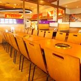 6名様テーブルのお席です。隣接しているため最大18名様まで可能です。