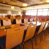 4名様テーブルのお席です。隣接しているため最大16名様まで可能です。