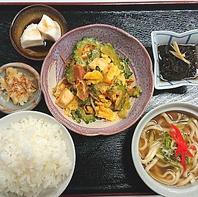 沖縄の美味を詰め込んだディナーセット
