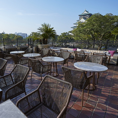 晴れの日は大阪城を望めるテラス席で優雅なひとときを…☆