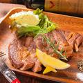 料理メニュー写真リブロースステーキ