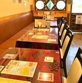 全27席[カウンター5席、テーブル22席(2名席×1、4名席×5)]