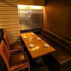 個室と肉バル TAJIMAYA 新橋店の雰囲気1