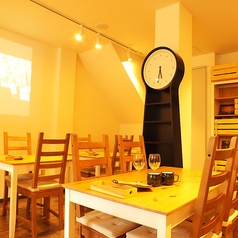 AZ DINING アズダイニング 鷹の台店の雰囲気1