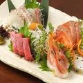 料理メニュー写真萩産新鮮活魚のお刺身盛り合わせ