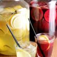 《自家製のサングリア》フルーツたっぷりの自家製サングリアは人気を集めているメニュー★なんと飲み放題メニューに入っているんです!!ほんのり甘く飲みやすいスペインの飲み物。お酒やワインが苦手なお客様でも飲みやすいカクテルです♪また、定番の生ビールやシャンディガフ、レッドアイなどビアカクテルも充実◎!