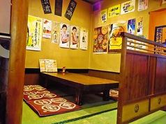 6人掛けの席は4卓ございます。ゆったりくつろぎながらお食事を♪4人掛けの席もございます。