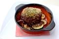 料理メニュー写真特製粗挽きハンバーグ