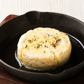 料理メニュー写真窯焼きカマンベール