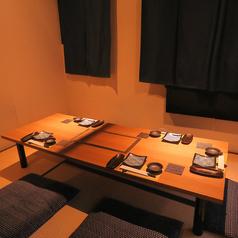 少人数個室♪落ち着いた雰囲気漂う個室は予約必須!落ち着いた雰囲気の個室でお食事をお楽しみください。当店では大小各個室ご用意しておりますので、あらゆるシーンにご対応することができる個室居酒屋です♪