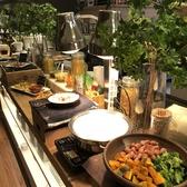 お昼のランチではこちらの専用ビュッフェ台にて、イタリアンが食べ放題!