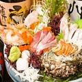 料理メニュー写真鮮魚卸直営店の刺身こぼれ盛り