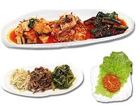 キムチ・ナムルもなど、前菜も種類豊富にご用意