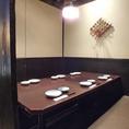 少人数から大人数でのお食事にも!各種テーブル席を取り揃えています。シーンに応じて様々なお席をご用意させて頂きます!