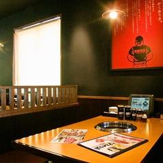 テーブルが広いのでゆったりとお食事をお楽しみいただけます♪※写真は系列店です。