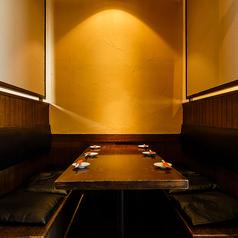 6名様までOKのテーブル個室席。