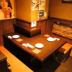 ≪こちらはテーブル席≫3名様用のテーブル席。2名でのご利用にも◎【天文館 しゃぶしゃぶ 個室 飲み放題 地鶏 貸切 ステーキ 郷土料理 ステーキ】