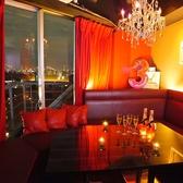 全席ソファの完全個室!東京タワーを背に誕生日会や女子会など、様々なシーンでご利用頂けます♪六本木の夜景とともに、記憶に残る1日を☆