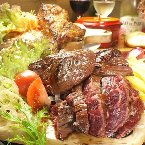 時間無制限食べ飲み放題が自慢のダイニング料理・ドリンクの種類が豊富でインスタ映え