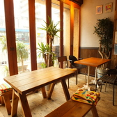 テーブル 4名様席から、ご利用人数によって対応可能です。